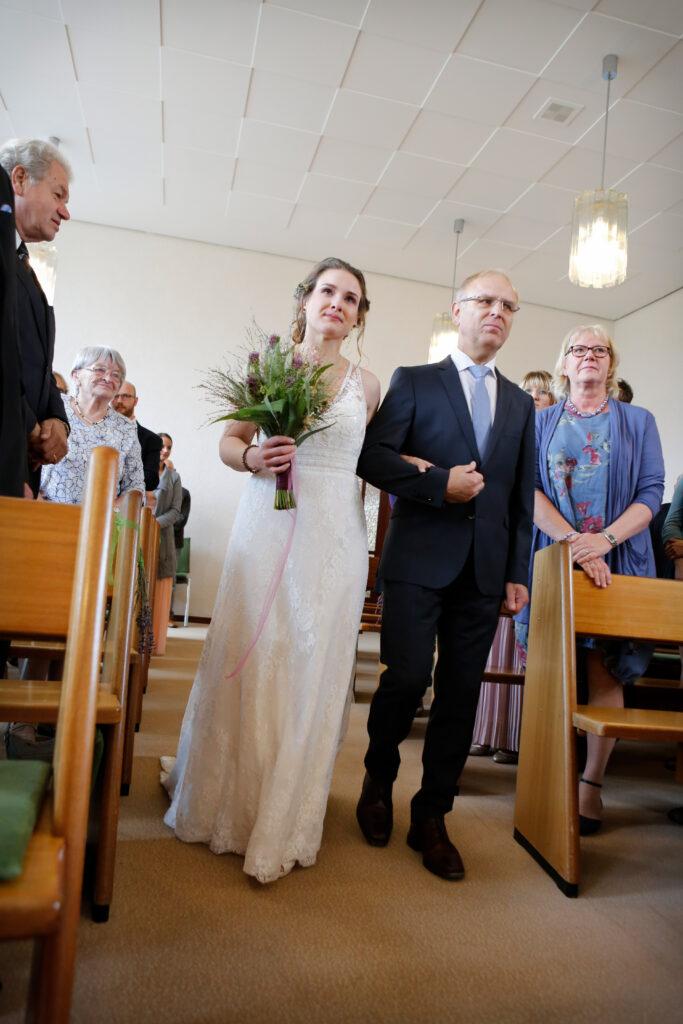 Fotografin, Fotoshooting, Hannover, Hochzeit, Hochzeitsfotos, Hochzeitsreportagen, Kirche, Kirchliche Trauung, Niedersachsen, Paarfotos, Paarshooting, Standesamt