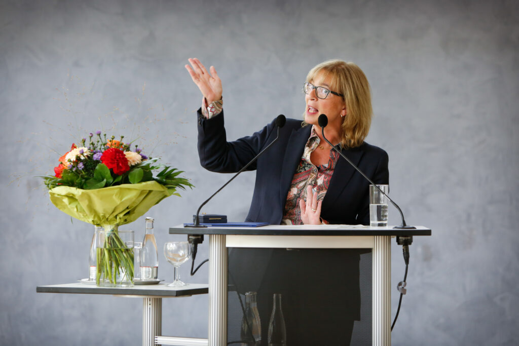 Petra Rudszuck, SPD, Region Hannover, Haus der Region, Rede, Rednerpult, Politik, Veranstaltung, Fotografie